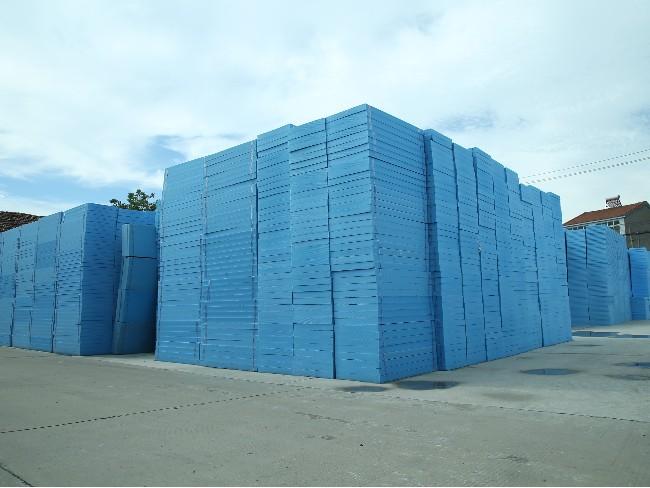 万博汇佳EPS苯板与万博汇佳XPS挤塑板在经济性和透气性上的不同